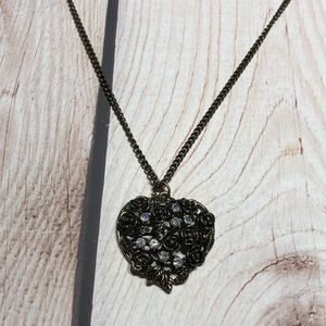 Women's rose heart necklace